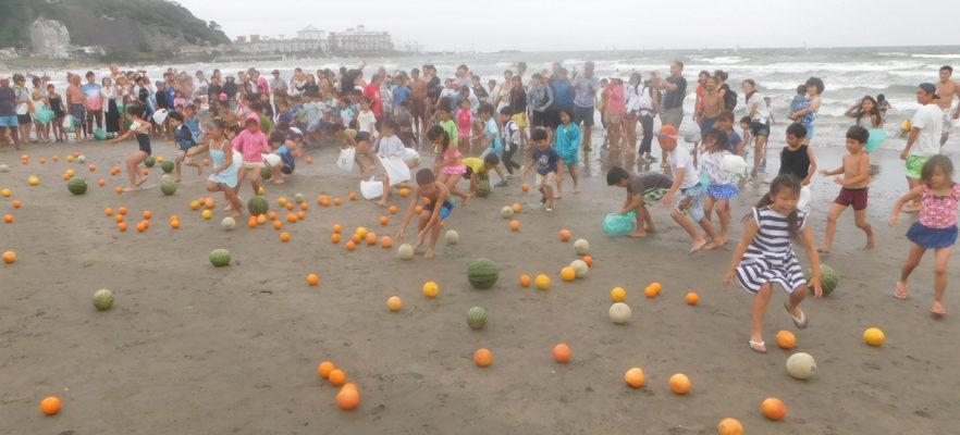 2017材木座海水浴場スイカ流し(7)小学生3年生以下の部スタート