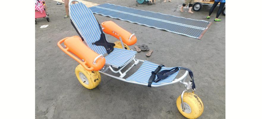 2017鎌倉鎌倉バリアフリービーチ-in-材木座(2)この様なバギーに乗り海へ